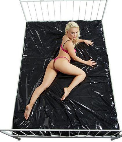 Bettlaken Spielwiese black